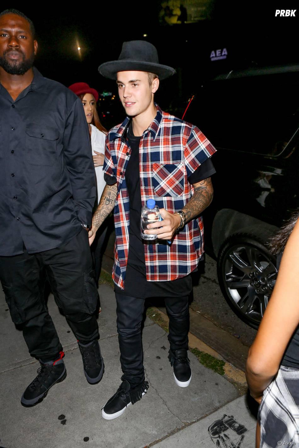 """Justin Bieber arrive à la boîte de nuit """"The Nice Guy"""" de Los Angeles, le 26 juin 2015"""