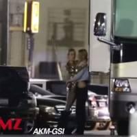 Miley Cyrus et Stella Maxwell en couple : les deux amoureuses filmées en plein bisou passionné