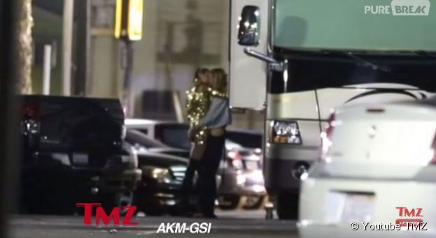 Miley Cyrus et Stella Maxwell : bisou à Los Angeles, le 30 juin 2015