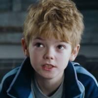 Love Actually : 12 ans après, à quoi ressemble l'adorable petit garçon qui jouait Sam ?