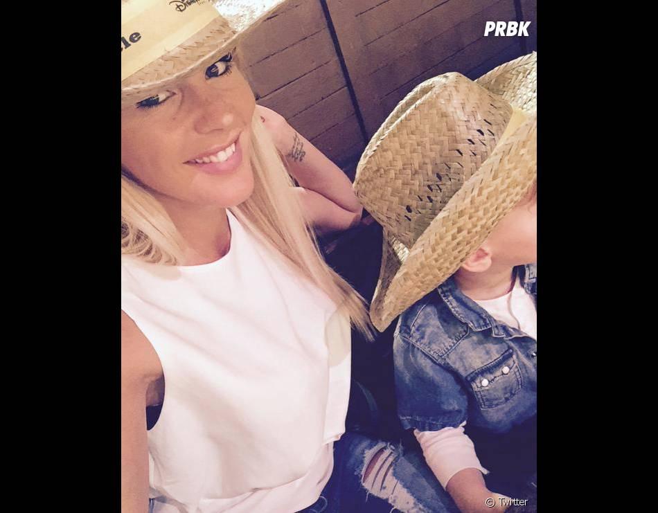 Amélie Neten très proche de son fils Hugo