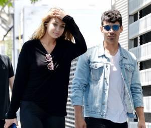 Joe Jonas et Gigi Hadid dans les rues de L.A, le 10 août 2015