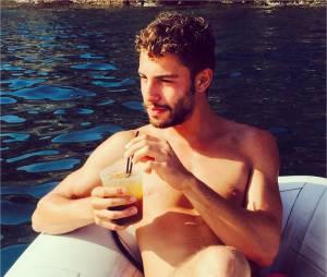 Marwan Berreni (Plus belle la vie) torse-nu en Espagne pour les vacances d'été 2015