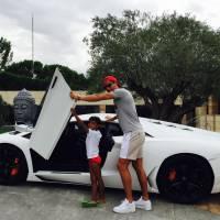 Cristiano Ronaldo abdos dehors sur Instagram au côté de son fils : la photo sexy et craquante