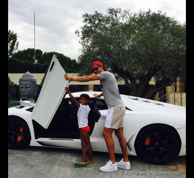 Cristiano Ronaldo et son fils : direction l'entraînement de foot !