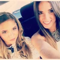 Capucine Anav sublime et tout sourire avec sa soeur Lou pour un mariage en Israël