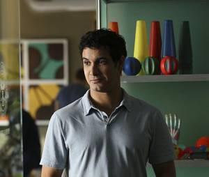 Scorpion saison 2, épisode 1 : Elyes Gabel (Walter) sur une photo