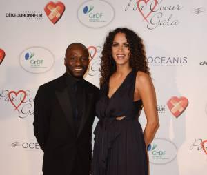 Claude Makélé et Noémie Lenoir sur le tapis rouge du gala Par Coeur au profit de l'association Cé Ke Du Bonheur à Paris, le 24 septembre 2015