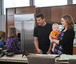Bones saison 11, épisode 1 : Booth, Brennan et leurs enfants sur une photo
