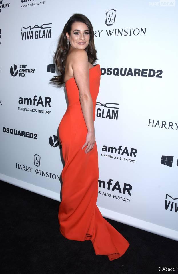 Lea Michele glamour à la soirée de gala organisée par l'AmfAR le 29 octobre 2015 à Los Angeles
