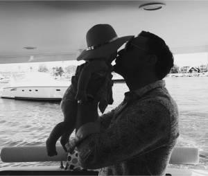 Owain Yeoman (Mentalist) : photo adorable avec sa fille Ever Belle sur Instagram