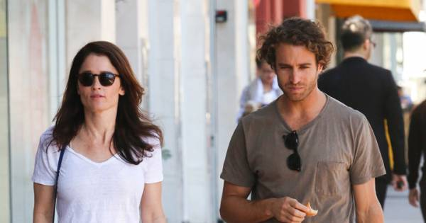 Robin Tunney (Mentalist) et son fiancé Nicky Marmet à Los ...