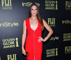Amanda Righetti (Mentalist) sexy lors d'une soirée