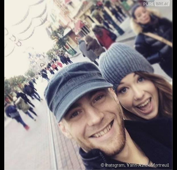EnjoyPhoenix et Yann-Alrick Mortreuil s'éclatent à Disneyland avant le retour aux entraînements le 23 novembre 2015