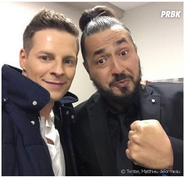 Matthieu Delormeau et Moundir font la paix dans les coulisses de l'émission les Z'Awards de la télé le vendredi 11 décembre 2015