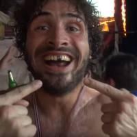 Maxime Musqua : un an après Le Petit Journal, il revient sur YouTube... pour se faire tabasser !