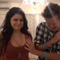 Des gays touchent des seins pour la première fois, leurs réactions sont à mourir de rire