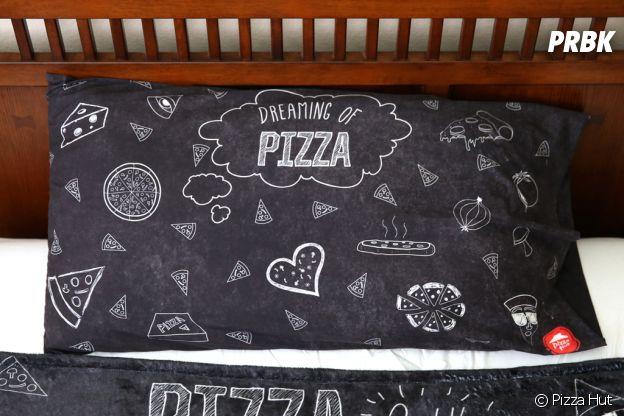 Pizza Hut : une collection de vêtements et accessoires avec des pizzas
