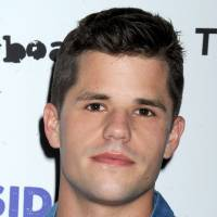 Charlie Carver : l'un des jumeaux de Desperate Housewives fait son coming-out sur Instagram