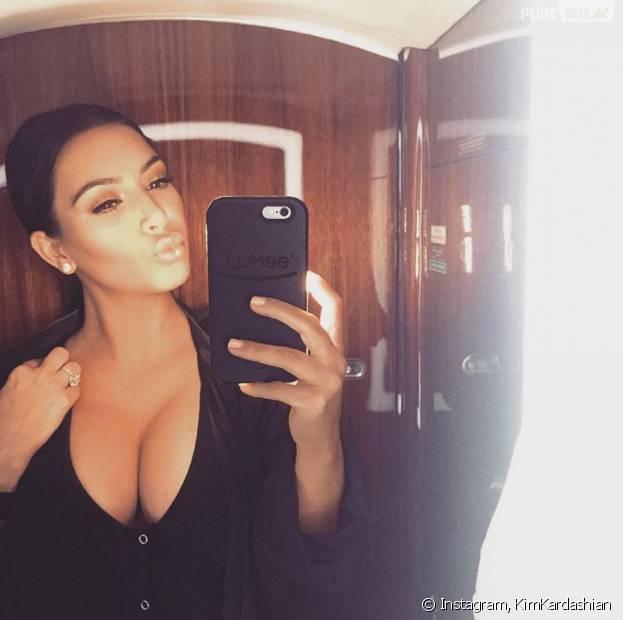 Kim Kardashian : décolleté XXL sur Instagram pour faire de la pub pour une coque d'iPhone