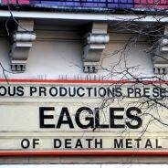 """Eagles of Death Metal de retour à Paris : Jesse Hughes veut """"terminer"""" le concert du Bataclan"""