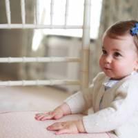 Princesse Charlotte : la petite soeur du Prince George craquante sur de nouvelles photos