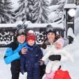 Princesse Charlotte, le Prince George, Kate Middleton et le Prince William lors de leurs vacances au ski en février 2016