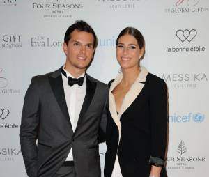Laury Thilleman et Juan Arbelaez en couple au Global Gift Gala le 9 mai 2016 à Paris