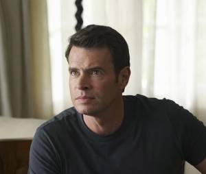 Scandal saison 5, épisode 21 : Jake (Scott Foley) sur une photo