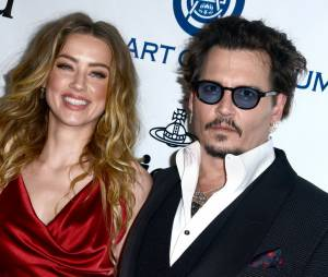 Après 15 mois de mariage, Amber Heard et Johnny Depp divorcent