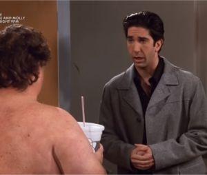 """Friends : Ross rencontre le """"gros tout nu"""" dans un épisode de la saison 5"""