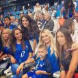 Ludivine Payet, Tiziri Digne, Sandra Mandanda, Ludivine Sagna et Sandra Evra dans les tribunes pour soutenir les Bleus