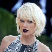 """Taylor Swift nue dans le clip """"Famous"""" de Kanye West : découvrez sa réaction 😖"""