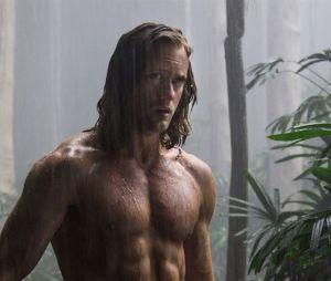Alexander Skarskard très musclé dans Tarzan