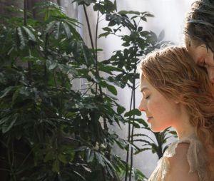 Alexander Skarskard et Margot Robbie dans Tarzan