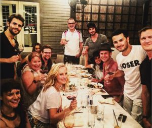 The Vampire Diaries saison 8 : les acteurs dinent ensemble avant le tournage