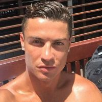 Cristiano Ronaldo a-t-il craqué ? Il s'est fait... vernir les ongles