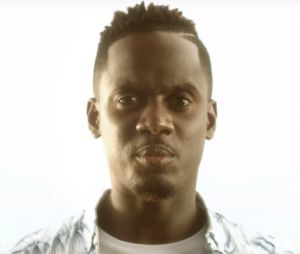 """Le nouveau clip de Black M """"Je suis chez moi"""" censuré par W9 : la polémique enfle sur Twitter !"""
