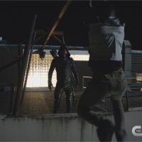 Arrow saison 5 : Oliver meurtrier et nouvelle équipe dans une bande-annonce incroyable