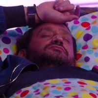 Cyril Hanouna s'endort (et ronfle) en direct dans les 35 heures de Baba, le web hallucine