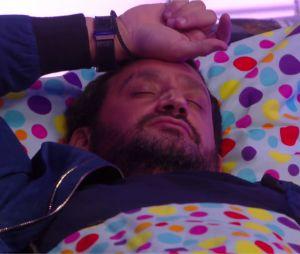 Cyril Hanouna s'endort en direct dans Les 35 heures de Baba dans la nuit du 14 octobre 2016 sur C8