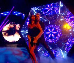 Karine Ferri (Danse avec les stars 7) danse sur un chacha avec Yann-Alrick Mortreuil