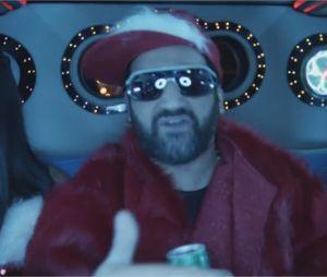 Cyril Hanouna : les premières images du clip de sa chanson Petit Baba Noël