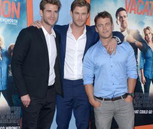 Chris, Liam et Luke Hemsworth réunis sur un tapis rouge