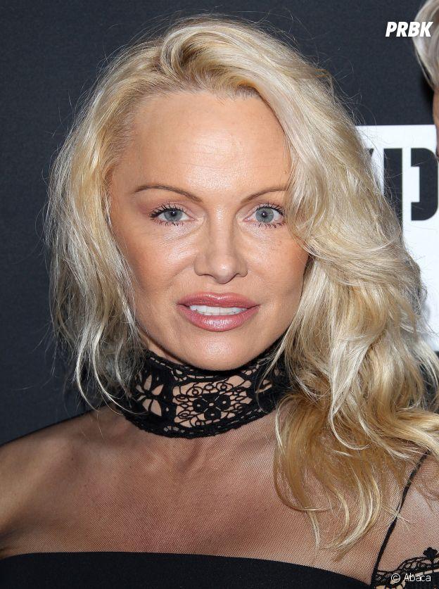 Pamela Anderson : les traits tirés, elle est méconnaissable !