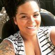 Sarah Fraisou (Les Anges 8) dévoile une photo de ses fesses sur Instagram et se fait lyncher