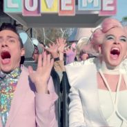 """Clip """"Chained to the Rhythm"""" : Katy Perry s'engage dans un parc d'attractions flippant"""