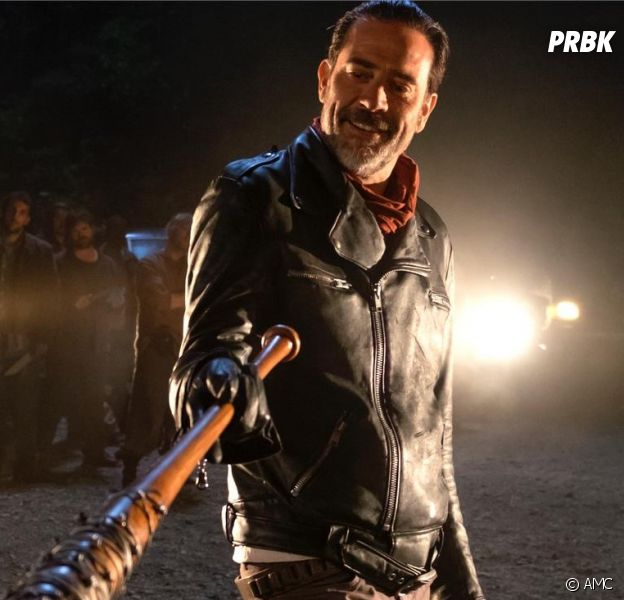 The Walking Dead : un t-shirt retiré de la vente pour racisme, Jeffrey Dean Morgan s'énerve