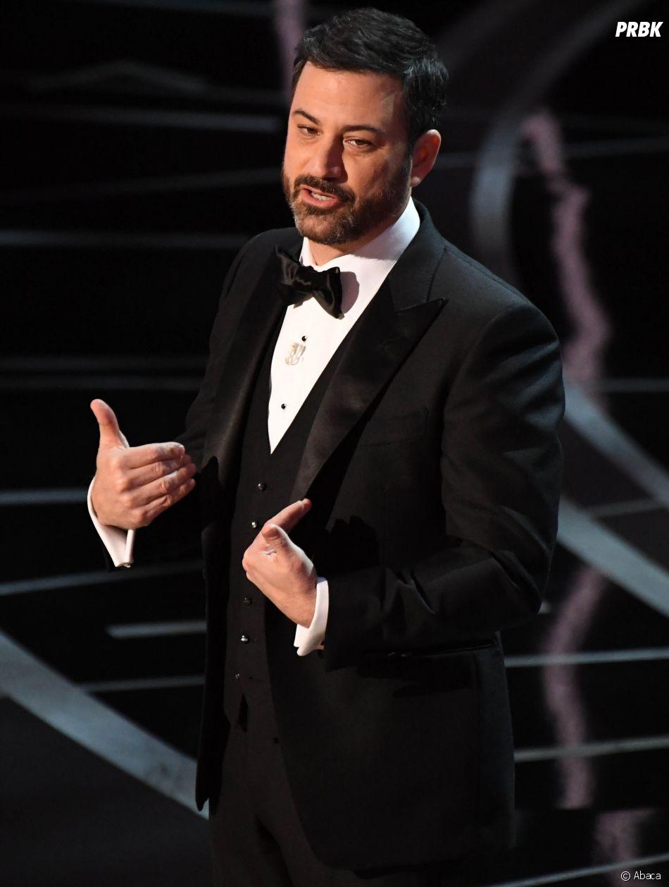 Oscars 2017 : Jimmy Kimmel a taclé Donald Trump plusieurs fois avant de lui envoyer un tweet en direct de la cérémonie !