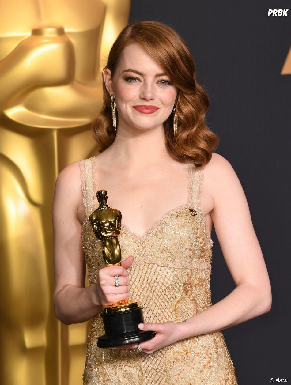 Oscars 2017 : Emma Stone oscarisée pour La La Land, la fiche qui annonce sa victoire a provoqué un gros fail à la fin de la cérémonie !